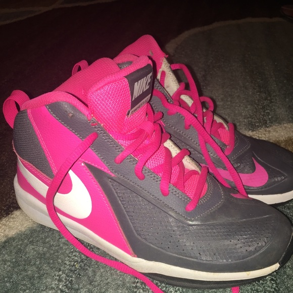 d4b6895aac Nike Shoes | Girls Team Hustle D7 Basketball 4y Euc | Poshmark